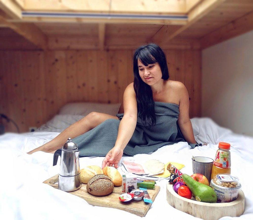 zelf op de foto staan ontbijt tinyhouses droomparken