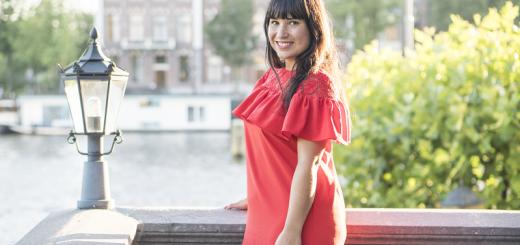 amsterdam selfie rode jurk amstelhotel bloggersdiner leven van een blogger overprikkeling bij een hersenletsel