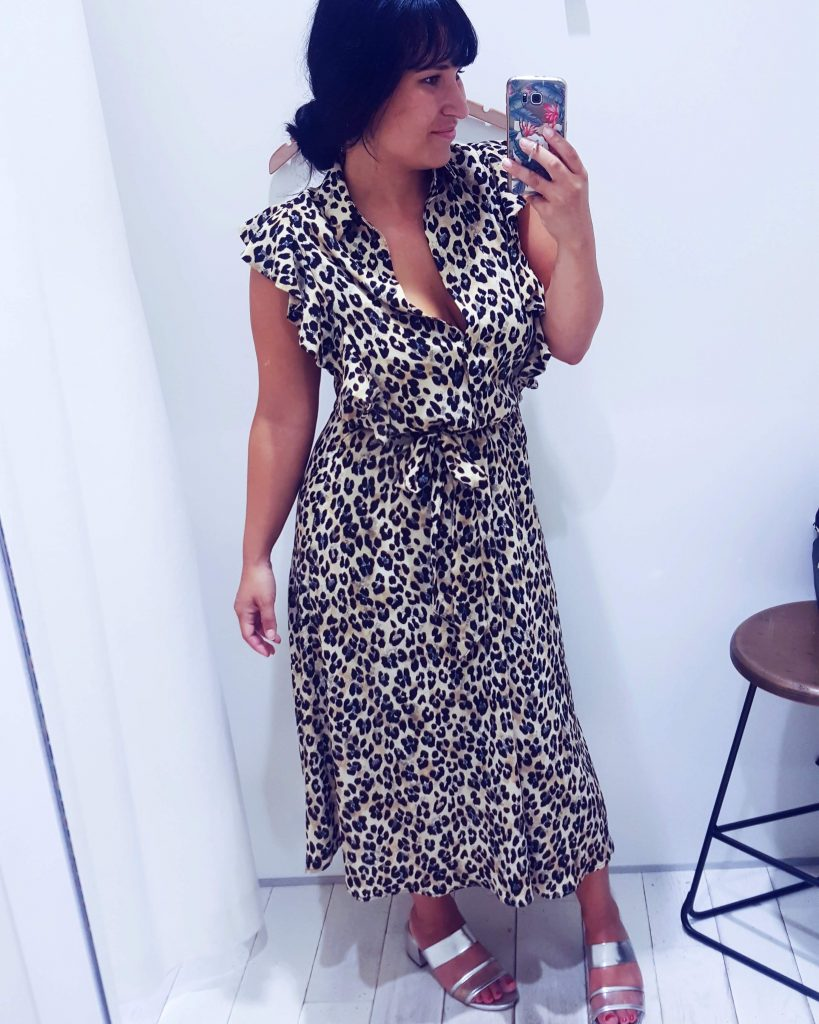 herfst outfit panter print midi jurk costes
