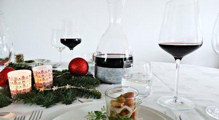 ultieme wijnbeleving royal leerdam wijnkaraf tafel vol eten kerst