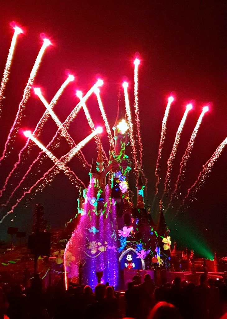 Disney Illuminations Disneyland kasteel