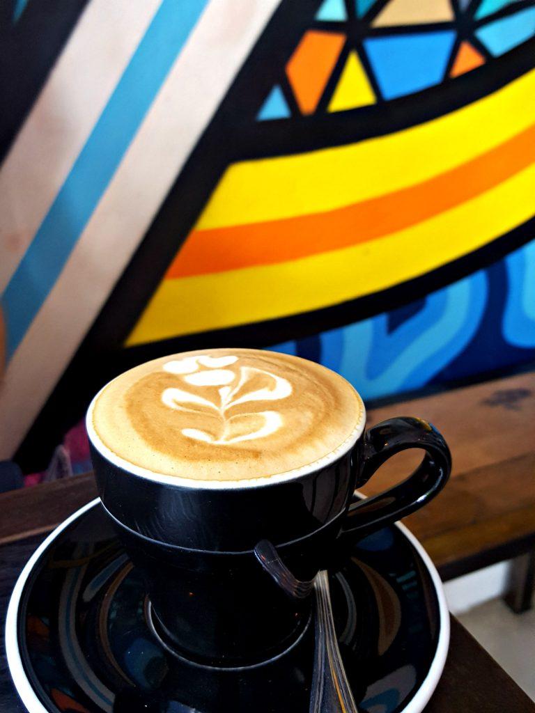 koffie canggu rise and shine cafe