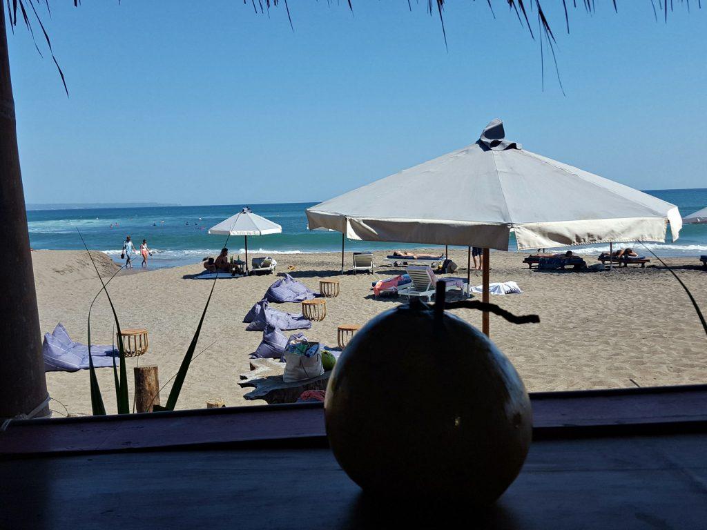 warung kelapa strand