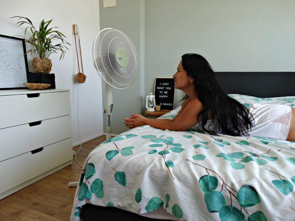 afkoelen slaapkamer ventilator hoofd koel