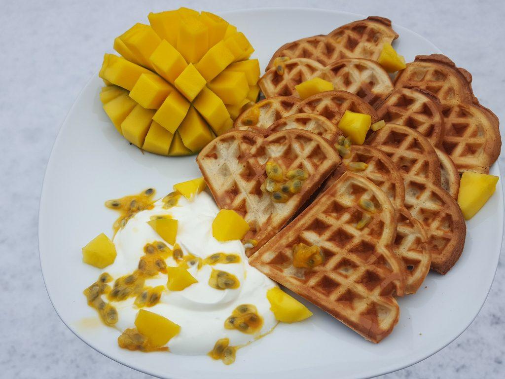 wafels baaldag mango ontbijt