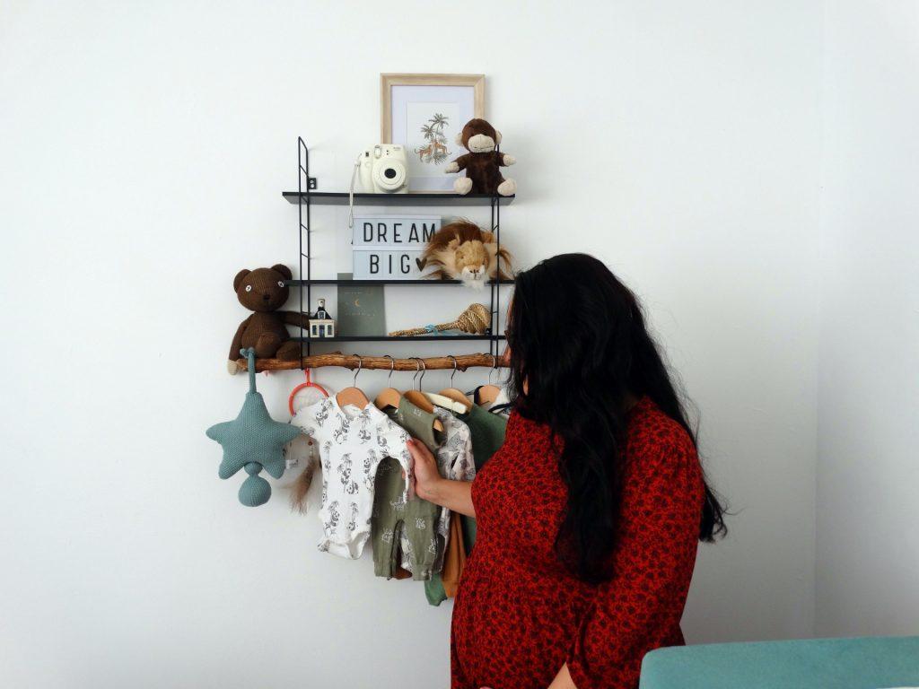 vluchtkoffer pakker zwangerschap