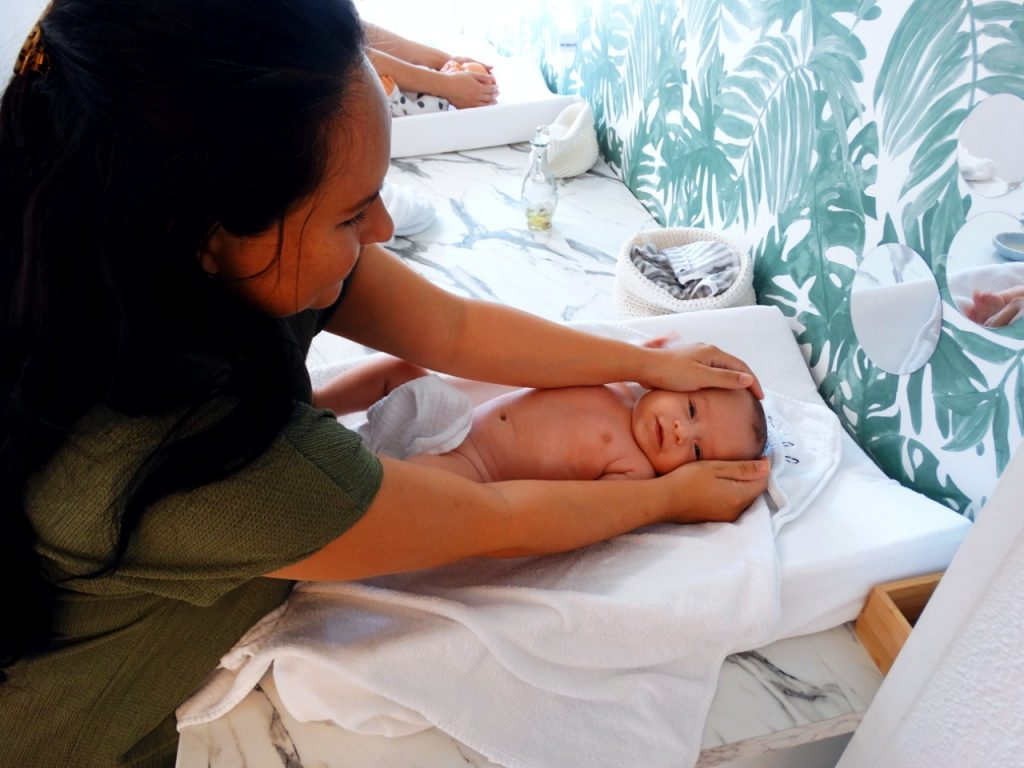 twinkel baby spa massage