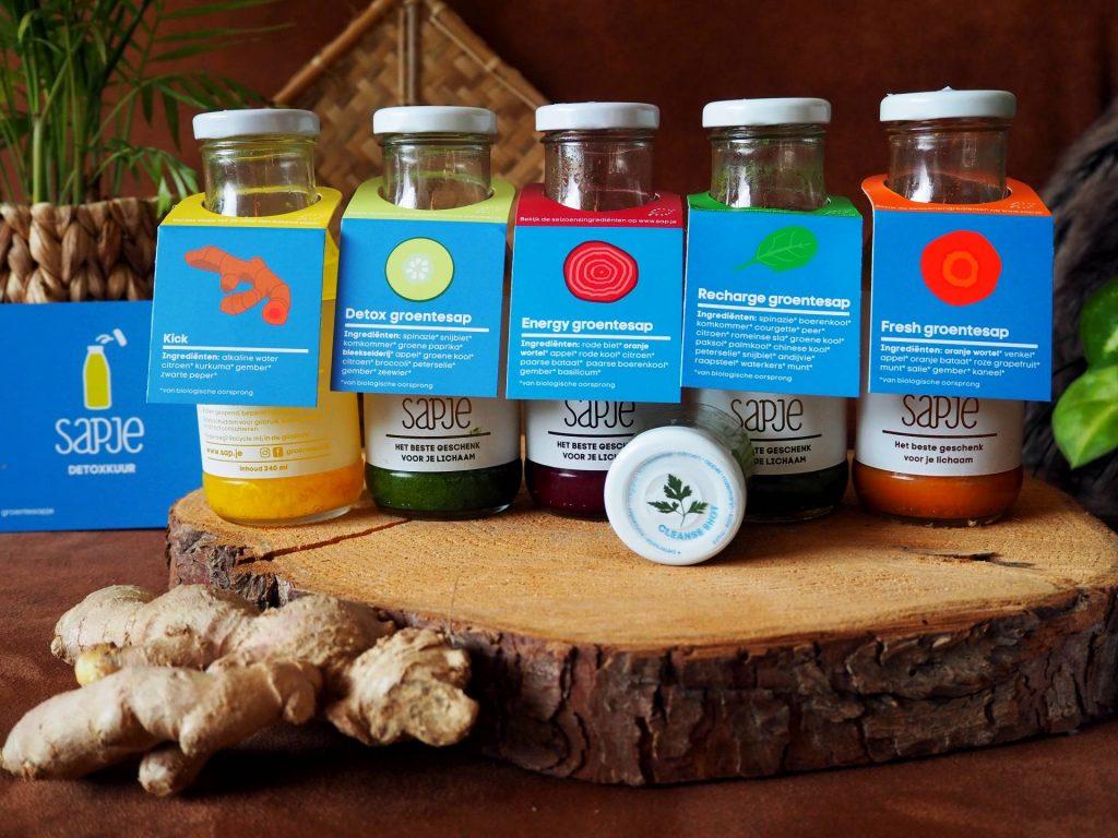 sapje dagelijkse portie groente en fruit in een fles detox