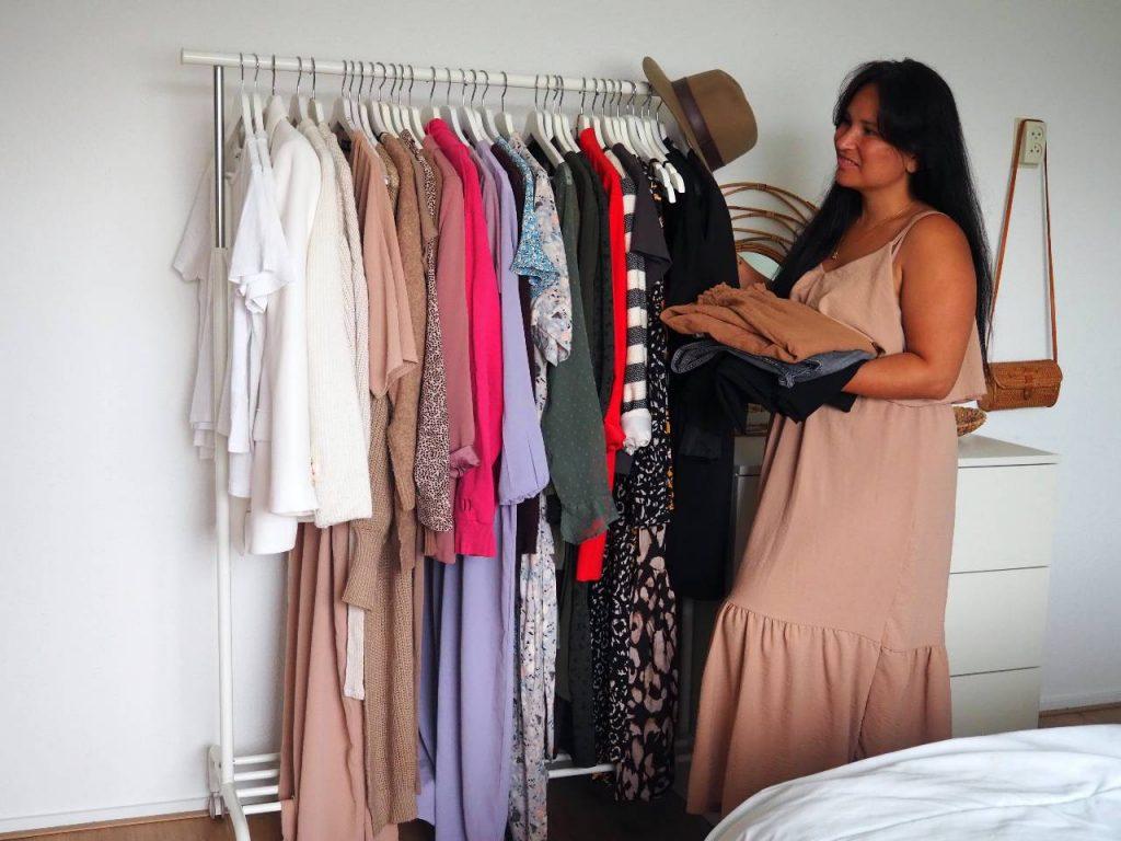 fashion tussenweer kledingrek